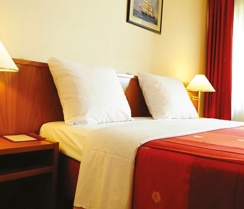 carlton luxembourg standard room 83827